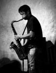 Yumiko Yoshimoto (guitar, daxophone), Fumito Sugo (drums), Tadayuki Furukawa (saxophones)