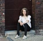 Margareth Kammerer [from Berlin] (vocal, guitar)